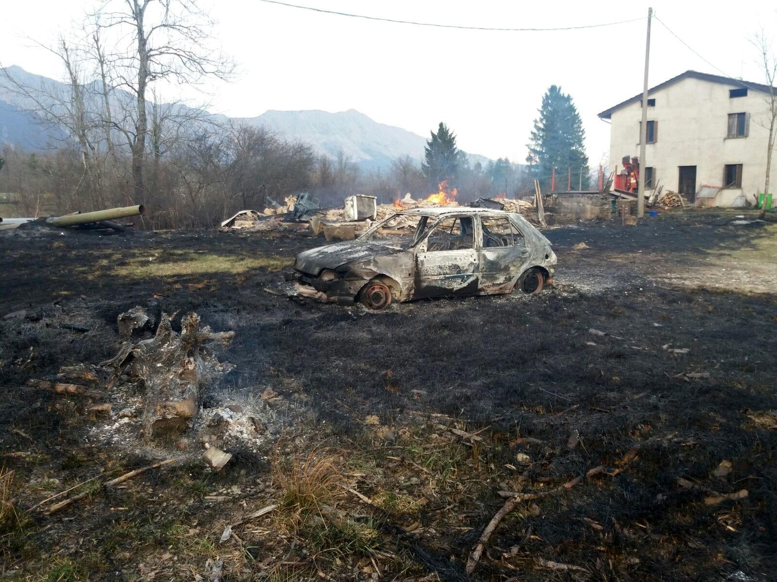 incendio auto Taipana-2