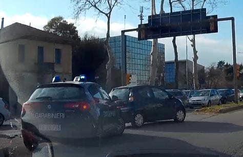 Incidente stradale in viale Venezia, ferita una 72enne alla guida di una Smart-4