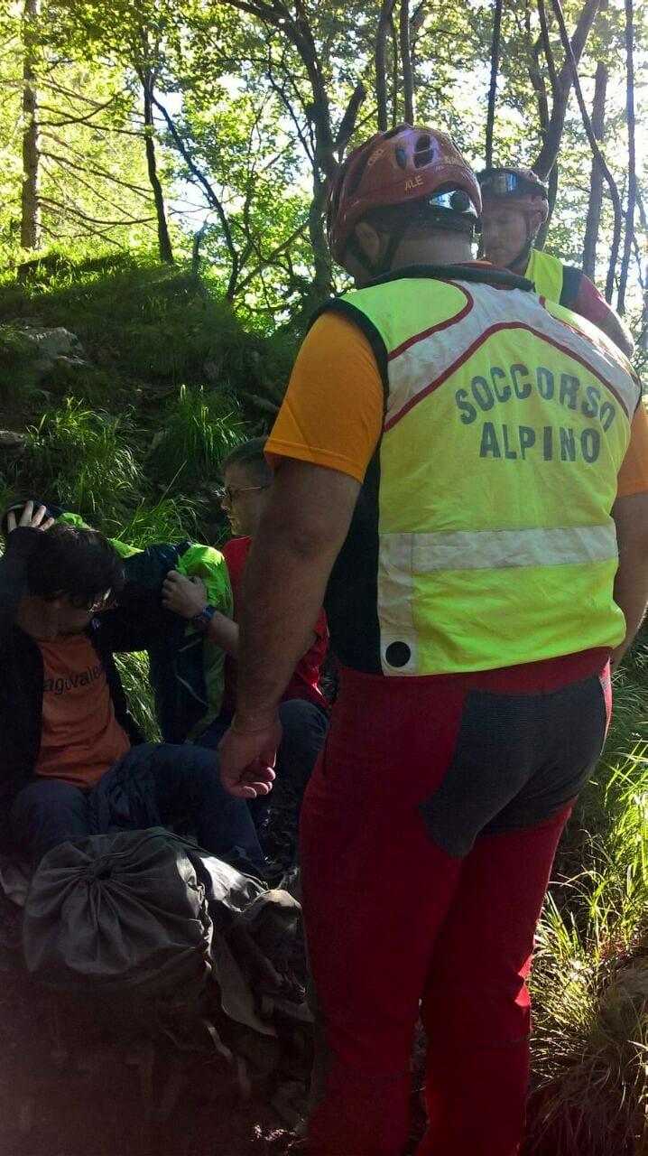 soccorso un ragazzo sloveno sul sentiero che conduce al Rifugio Grauzaria (Alpi Carniche)-3