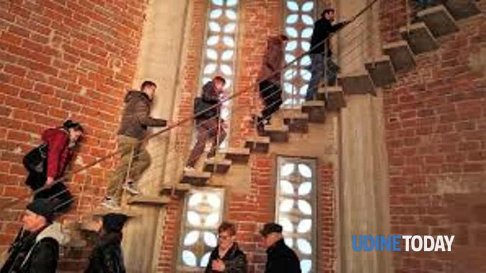 mortegliano, la salita del campanile più alto d' italia.-2