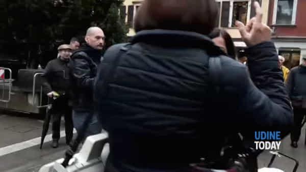 Al via il porta a porta: esposti un decimo dei bidoncini e nuova protesta in piazza