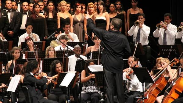 Concerto del Primo Maggio, protagonisti Andrea Tofanelli e l'Orchestra di Fiati del Conservatorio Tomadini