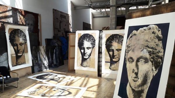 """vicino/lontano 2019, la personale di Luca Pignatelli """"Muse o Grafica"""""""