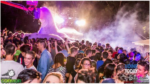 l'estate continua al parco del cormor, questa settimana: schiuma party, karaoke e ballo latino-6