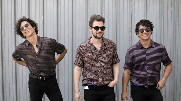Il trio brasiliano-italiano dei Selton in concerto a Villa Manin