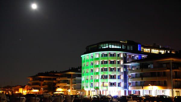 """Ripartono i """"Laguna AperiSky"""" di Grado, gli aperitivi con vista del Laguna Palace Hotel"""