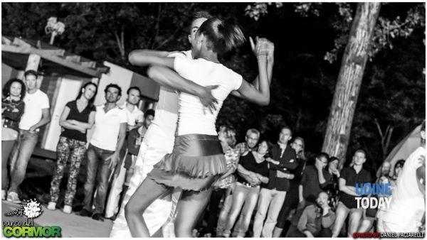 l'estate continua al parco del cormor, questa settimana: schiuma party, karaoke e ballo latino-4