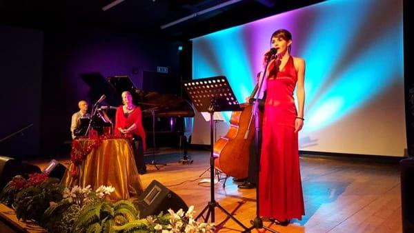 Due artisti friulani in Slovenia, Francesca Cerno e Giorgio Rivari portano il loro spettacolo a Bohinj
