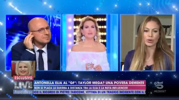 VIDEO Taylor Mega accusata di aver fatto il dito medio alla Polizia