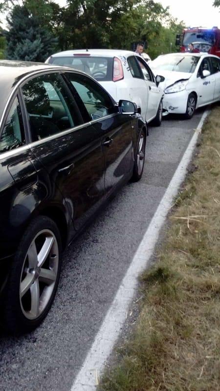 Auto in sorpasso, frontale a San Giovanni al Natisone-2