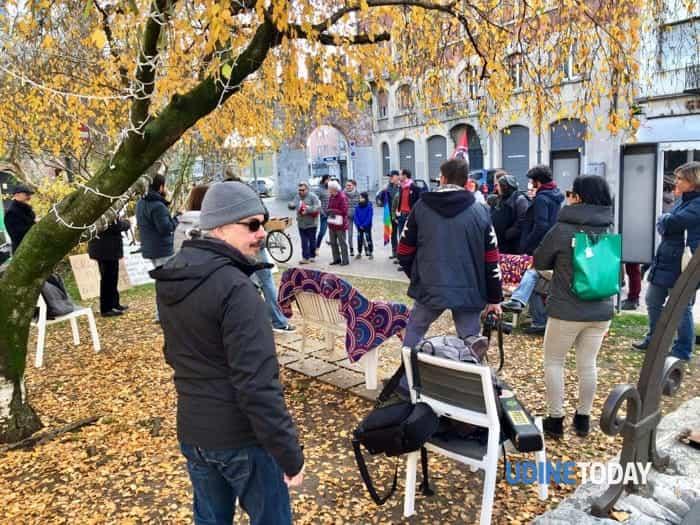 Bivacco di protesta in via Aquileia contro le scelte adottate dalla giunta Fontanini-2