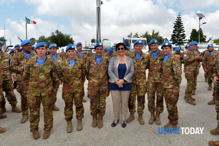 Il  Ministro della Difesa Trenta in Libano incontra i caschi blu della Julia-3